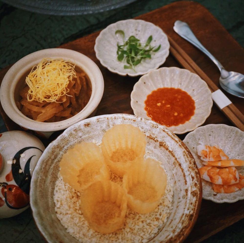 Kueh Pie Tee Candlenut Peranakan Restaurant Singapore